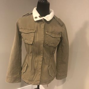 Super cute fall/spring jacket
